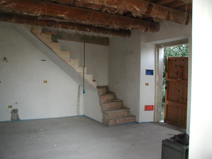 restauration_ferienhaus_bauabschnitt1_treppe_appartement